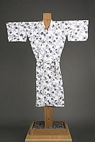[White yukata with navy flowers and leaves design, 193-]
