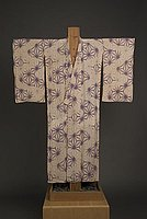 [Beige woman's kimono with purple asanoha (hemp leaf) design]