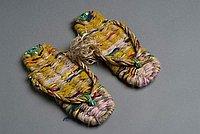 [Multicolored yarn and straw zori, Hanalei, Kauai, 1985]