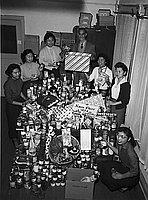 [Christmas cheer, Los Angeles, California, December 4, 1954]