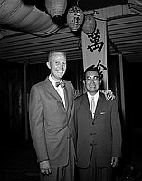[Mr. Su Igauye and Caucasian man at Man Jen Lo restaurant, Los Angeles, California, September 25, 1957]