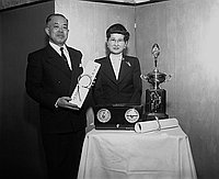 [Mr. Shohei Takayanagi receiving an award at San Kwo Low restaurant, Los Angeles, California, March 10,1955]