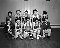[Los Angeles Glen basketball team, winners of the Wilson Aye cage league, Los Angeles, California, March 18, 1955]