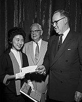 [Yachiyo Yoshida receives Bank of America Achievement award, Los Angeles, California, May 12, 1955]