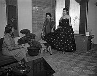 [Kow Kaneko, Pasadena, California, November 25, 1955]