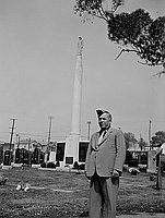 [Luigi Biagini at Nisei Veteran Association reunion and World War II Nisei memorial, Los Angeles, California, October 8, 1950]