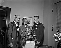 [Friendship plant presentation to Koichi Mizuno of Higashiyama Botanical Gardens, Nagoya, Japan at Mayor's office in City Hall, Los Angeles, California, August 26, 1959]