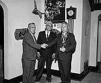 [Presentation of the Tabata Trophy to the Southern California Gardeners Federation at home of Fred Wada, Los Angeles, California, June 13, 1962]