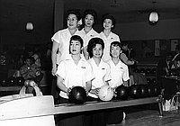 [Champion women's bowling team at Holiday Bowl, Los Angeles, California, November 19, 1962]