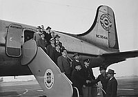 [Arrival of the Japanaese Diet members, January 18, 1950]