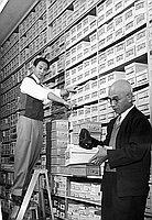 [Shimizu family of Asahi Shoe Company, Los Angeles, California, 1960]