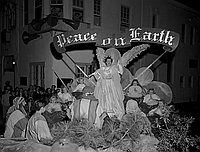 [Santa Claus Lane Christmas parade, Los Angeles, California, November 1950]